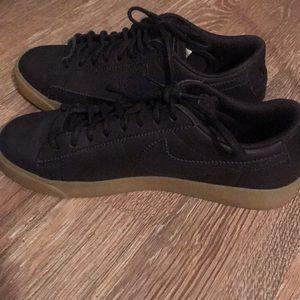 Women's leather black nike sneakers